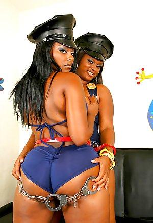 Ebony Lesbians sex